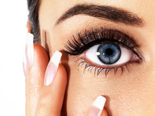 šminkanje i kontaktne leće, šminka i leće, make up i leće, kozmetika za kontaktne leće