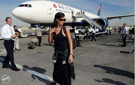 Rihanna sunčane naočale, burberry