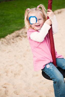 strabizam kod djece, strabizam, škiljavost, škiljenje, razrokost, liječenje strabizma