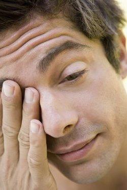 ocne alergije simptomi, alergijski konjuktivitis, alergija očiju, očne alergije