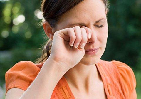 očne alergije, očne alergije simptomi, alergije očiju, simptomi očnih alergija, ocne alergije