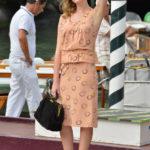 Cristiana Capotondi nosi sunčane naočale Vogue VO2756S 1994