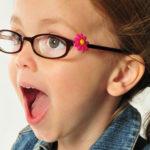 Kako uvjeriti dijete da mora nositi naočale?